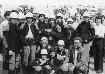 A Rozsnyói bányaiskolások a Május 1-i ünnepélyen