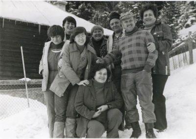 Télen a Pozsálói menedékház elött, 80-as évek